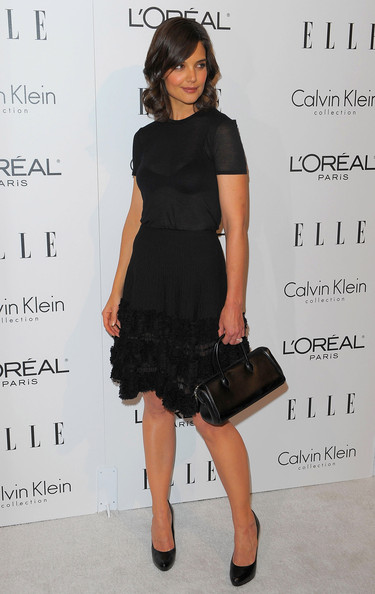 Katie Holmes Leather Tote [katie holmes,16th annual women in hollywood tribute - arrivals,elle women in hollywood tribute,little black dress,clothing,fashion model,black,dress,catwalk,footwear,flooring,cocktail dress,shoulder,beverly hills,california,four seasons hotel]