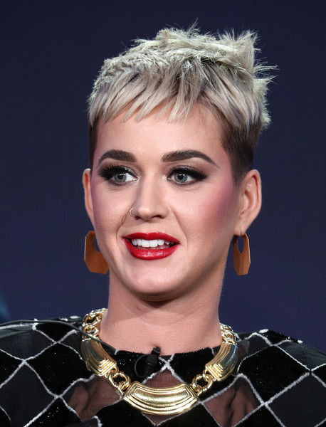 Katy Perry Gold Collar Necklace [american idol,hair,face,eyebrow,hairstyle,lip,chin,blond,beauty,forehead,fashion,katy perry,pasadena,california,winter tca,abc television,disney,the langham huntington,portion,winter television critics association press tour]
