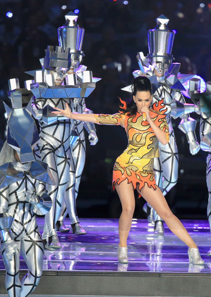 Katy Perry Mini Skirt [katy perry,performance,dancer,performing arts,fashion,event,public event,fashion design,performance art,fashion show,dance,pepsi super bowl xlix halftime show,university of phoenix stadium,arizona,glendale]