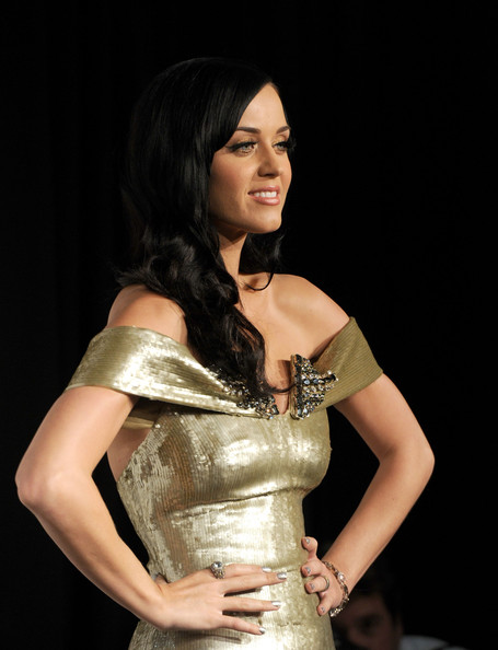Katy Perry Diamond Ring [lady,beauty,fashion,dress,textile,fashion model,hand,model,performance,satin,katy perry,grammy,room,press room,los angeles,california,club nokia,concert,grammy nominations concert live]