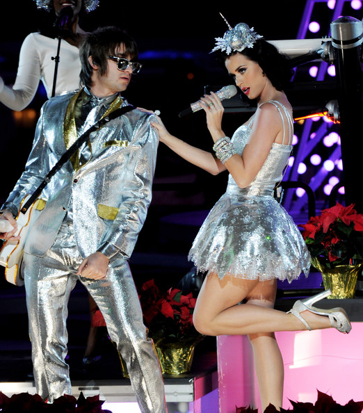 Katy Perry Platform Sandals [performance,entertainment,dancer,performing arts,event,fashion,stage,fashion design,public event,performance art,katy perry,r,grammy,onstage,california,los angeles,club nokia,concert,show]