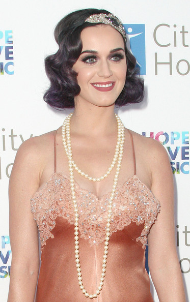 Katy Perry Layered Pearl Necklace [hair,clothing,hairstyle,lip,eyebrow,beauty,shoulder,long hair,chest,black hair,katy perry,bob pittman - arrivals,bob pittman,music and entertainment industry group honors,moca,los angeles,california,city of hope,the geffen contemporary]