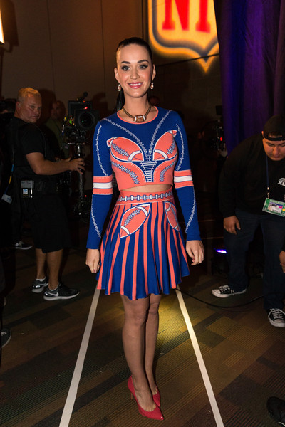 Katy Perry Crop Top [katy perry,clothing,fashion,electric blue,dress,fashion design,footwear,fashion show,event,fashion model,uniform,pepsi super bowl halftime show press conference,pepsi super bowl xlix halftime show press conference,phoenix,arizona]