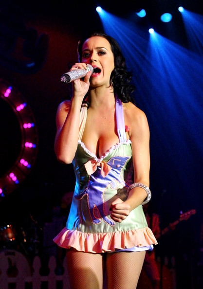 Katy Perry Halter Top [performance,singer,entertainment,stage,performing arts,singing,thigh,music artist,dancer,performance art,brisbane,the tivoli,australia,katy perry]