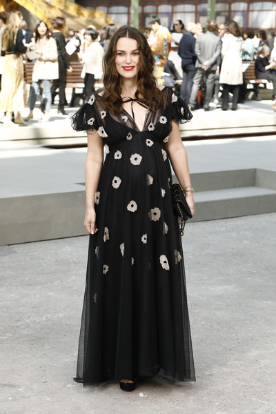 Keira Knightley Maternity Dress [chanel cruise 2020 collection : photocall in le grand palais,clothing,dress,fashion model,fashion,gown,haute couture,street fashion,event,design,fashion show,chanel cruise 2020,dress,keira knightley,photocall,fashion,street fashion,clothing,fashion model,fashion show,keira knightley,fashion,chanel,fashion show,dress,clothing,model,street fashion,little black dress]