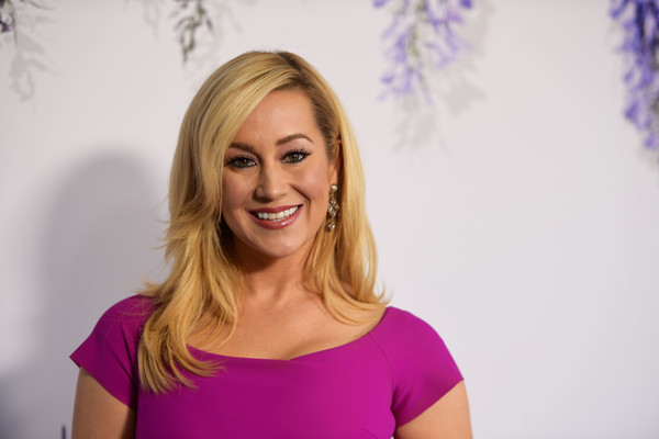 Kellie Pickler Layered Cut [hair,face,blond,facial expression,shoulder,beauty,purple,head,smile,hairstyle,arrivals,kellie pickler,summer tca,private residence,beverly hills,california,hallmark channel]