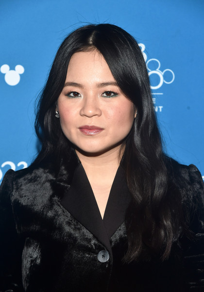 Kelly Marie Tran Long Wavy Cut