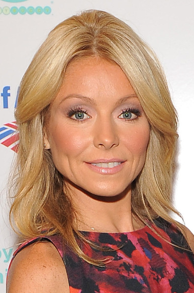 Kelly Ripa Long Center Part