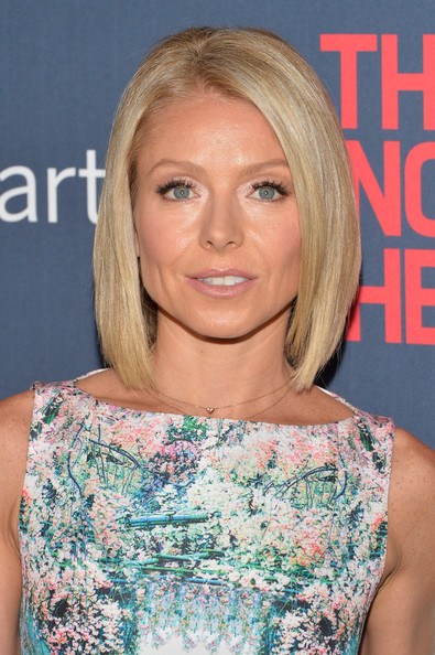 Kelly Ripa Mid-Length Bob