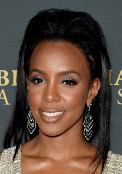 Kelly Rowland Teased