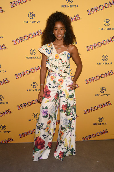 Kelly Rowland Print Pants [art,clothing,yellow,fashion,red carpet,fashion design,shoulder,flooring,dress,carpet,style,kelly rowland,29rooms,chicago,illinois,refinery29,party,turn it into art opening]