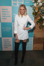 Kelsea Ballerini looked cool in a white blazer dress at the BumbleBFF Friendsgiving event.