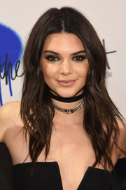 Kendall Jenner topped off her tough-chic look with a sterling chain choker.