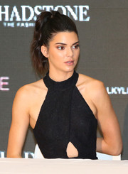 Kendall Jenner looked fab wearing this high ponytail with a teased top during the launch of Kendall + Kylie at Forever New.