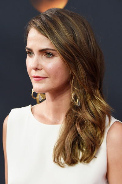Keri Russell Long Wavy Cut [hair,beauty,human hair color,blond,hairstyle,layered hair,eyebrow,chin,long hair,brown hair,arrivals,keri russell,microsoft theater,los angeles,california,primetime emmy awards]