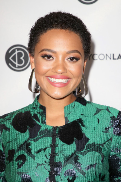 Kiersey Clemons Short Curls [hair,hairstyle,eyebrow,beauty,black hair,lip,forehead,smile,eyelash,long hair,arrivals,kiersey clemons,beautycon festival la,los angeles convention center,california]