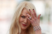 Nicole Kidman added extra sparkle with a huge diamond ring.