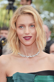 Anja Rubik attended the Cannes Film Festival premiere of 'The Killing of a Sacred Deer' wearing her hair in a wavy bob.