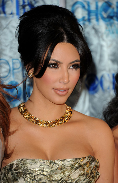 kim kardashian makeup looks 2011. Kim Kardashian Beauty