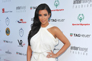 Look of the Day: Kim Kardashian Shows off Her Engagement Ring