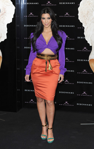 http://www3.pictures.stylebistro.com/gi/Kim+Kardashian+Dresses+Skirts+Cocktail+Dress+N0G74hYx5u6l.jpg