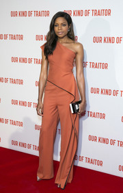 Naomie Harris styled her outfit with a black-and-white box clutch by Milly.