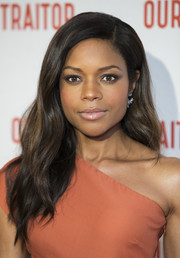 Naomie Harris looked gorgeous with her long wavy hairstyle at the UK premiere of 'Our Kind of Traitor.'
