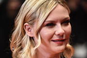 Kirsten Dunst Medium Curls