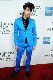 Davey Havok made it clear he isn't he wallflower in this aqua suit at the 'Knife Fight' screening.