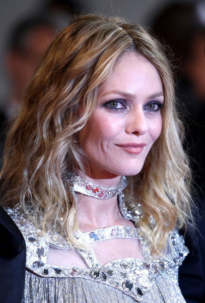 Vanessa Paradis attended the Cannes Film Festival screening of 'Knife + Heart' wearing an edgy wavy hairstyle.