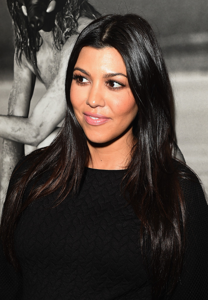 Kourtney Kardashian And Kylie Makeup: Kourtney Kardashian Long Center Part