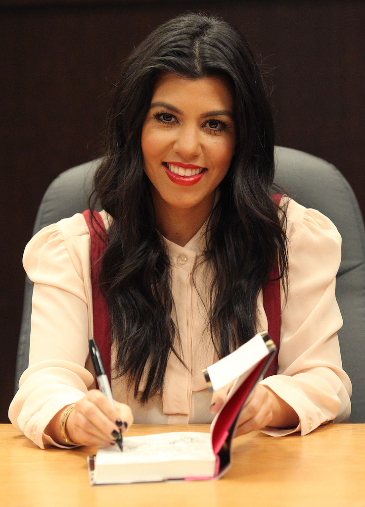 kourtney kardashian red lipstick kourtney kardashian