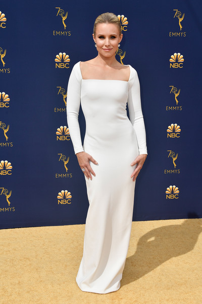 Kristen Bell Form-Fitting Dress [flooring,carpet,gown,dress,fashion model,shoulder,fashion,red carpet,girl,fashion design,arrivals,kristen bell,emmy awards,70th emmy awards,microsoft theater,los angeles,california]