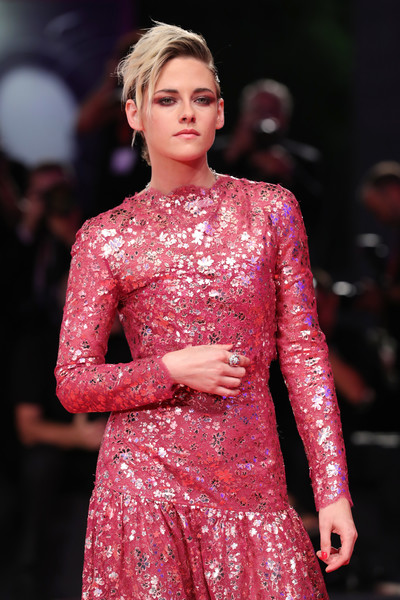 Kristen Stewart Diamond Ring [fashion model,fashion,clothing,fashion show,haute couture,hairstyle,runway,pink,event,dress,seberg red carpet arrivals,seberg,kristen stewart,sala grande,red carpet,venice,italy,76th venice film festival,screening]