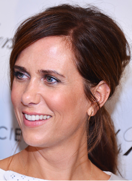 Kristen Wiig Metallic Eyeshadow
