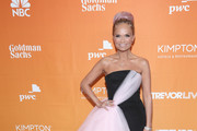 Kristin Chenoweth Strapless Dress