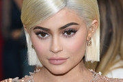 Kylie Jenner Side Parted Straight Cut