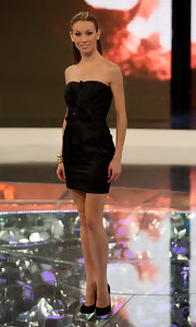 Eleonora Abbagnato went basic yet full of class as she wore a strapless LBD at her 'L'Isola Dei Famosi' guesting.