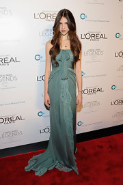 Andie MacDowell's daughter, Sarah Margaret Qualley, was a vision in a mossy sea green gown at the L'Oreal benefit.