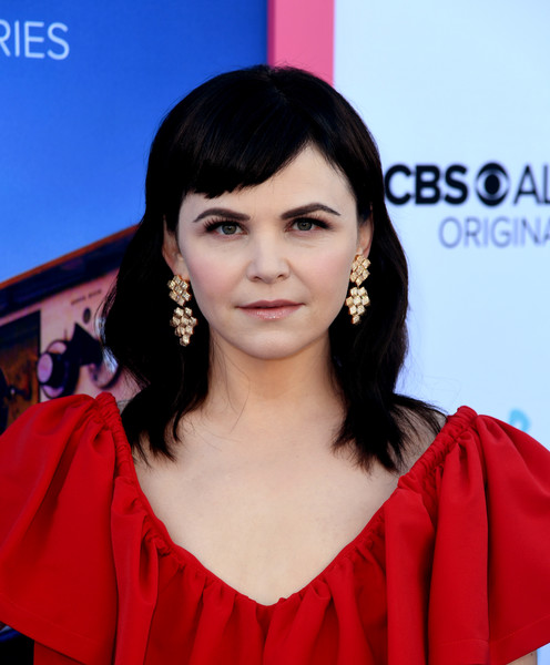 Ginnifer Goodwin wore her hair in shoulder-length waves with side-swept bangs at the LA premiere of 'Why Women Kill.'
