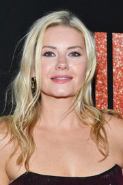 Elisha Cuthbert looked gorgeous with her long blonde waves at the LA premiere of 'Judy.'