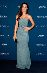 Kate Beckinsale donned a simple yet stunning sparkly blue strapless gown by Gucci for the LACMA Art + Film Gala.
