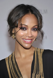 Zoe Saldana emphasized her beautiful brown eyes with smoky, jewel-tone shadows at the LACMA Art and Film Gala.