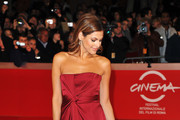Eva Mendes Wears a Gorgeous Red Gucci Gown