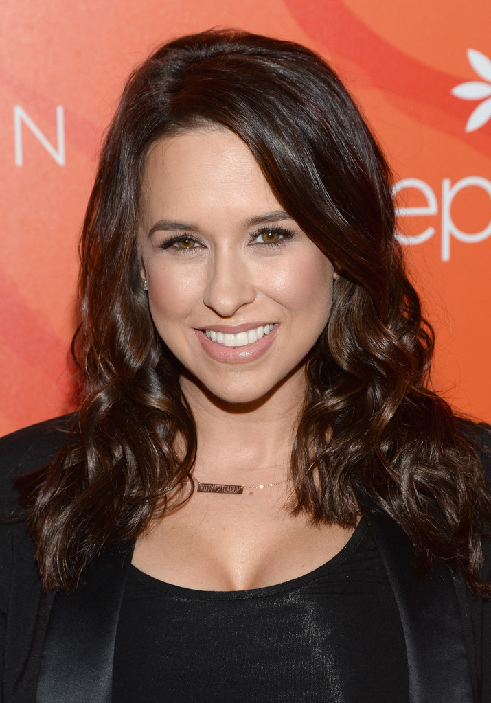 Lacey Chabert Long Curls Lacey Chabert Looks Stylebistro