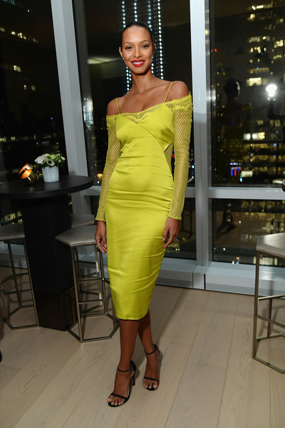 Lais Ribeiro Form-Fitting Dress [clothing,fashion model,shoulder,dress,cocktail dress,yellow,fashion,joint,hairstyle,leg,cover star ciara,laura brown,lais ribeiro,issue,new york city,instyle dinner]