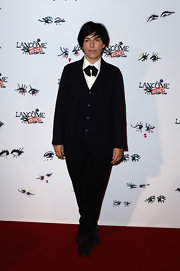 Sharleen Spiteri chose a totally unique red carpet look when she wore this menswear-inspired suit.