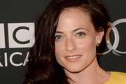 Lara Pulver Side Sweep