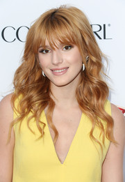 Bella Thorne looked super pretty at the Hollywood Hot List party with her flowing waves.