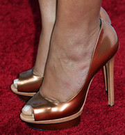 Gina Rodriguez shone in a pair of copper-colored platform peep-toes at the Hollywood Hot List party.